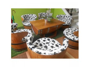 Modéles de barriques servant de meubles - GERARD BUSIN