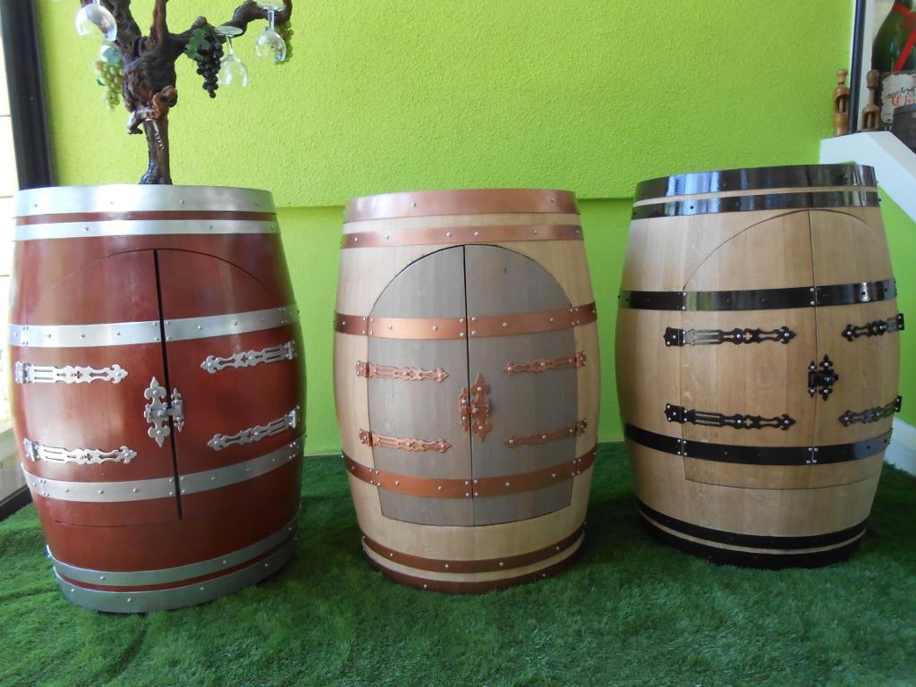 fabrication de barriques barriques viticoles d coration bar artannes sur indre 37 gerard. Black Bedroom Furniture Sets. Home Design Ideas